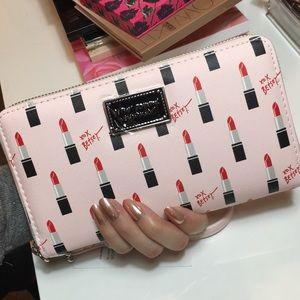 💄NWT💄BETSEY JOHNSON Lipstick Wristlet Wallet